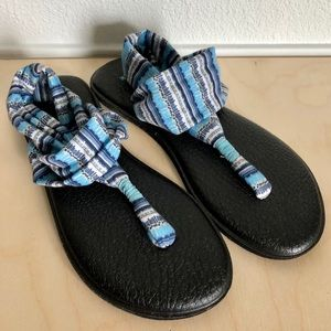 SANUK Blue Yoga Thong Sandals